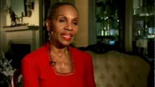 Ernestine Shepherd Is a  80 Year Old Female Body Builder, (VideoTaken in 2012) የ80 ዓመቷ ኤርነስቲነ ሸፈርድ ሰ