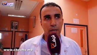 بالفيديو..من قلب مستشفى الفقيه بن صالح..أول تصريح للشاب اللي قطعو ليه إيديه بسيف و رجعها ليه طاقم طبي كبير |