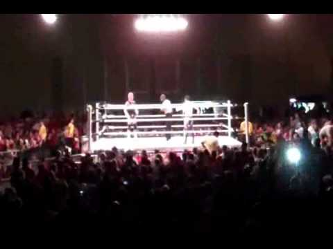 Dolph Ziggler vs. Evan Bourne (Part 1/2) [WWE RAW House Show - 7/23/11 - Wildwood, NJ]