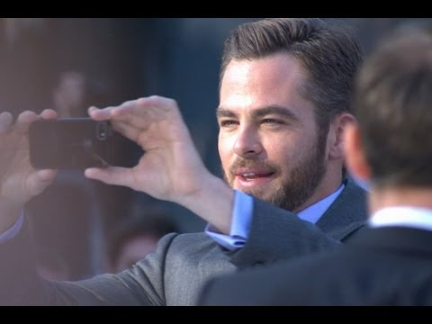 Chris Pine and Zoe Saldana at the 'Star Trek Into Darkness' Premiere