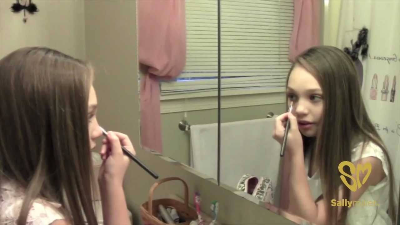 Maddie Ziegler Braces Off Images u0026 Pictures - Becuo