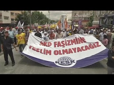 Unions strike in Turkey to support Taksim protesters