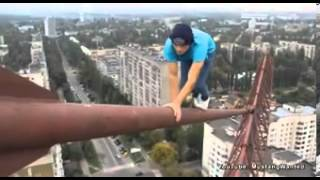 Deathdefying stunt from Russian with nerves of steel..