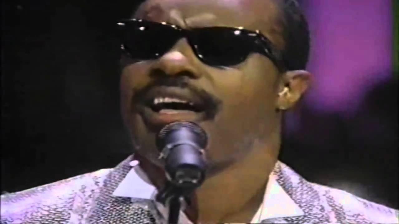 Stevie Wonder, George Michael - Love's In Need ... - YouTube