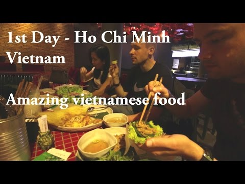 Day 1 Vietnam | Ho Chi Minh City | How to roll vietnamese spring rolls / Banh Xeo