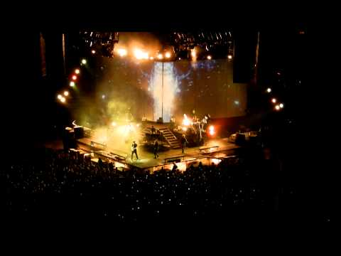 Waiting for the end - Linkin Park concert Houston March 3 2011 #LPLIVE-03-03-2011