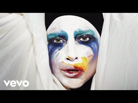 Lady Gaga - Applause [Official Video]