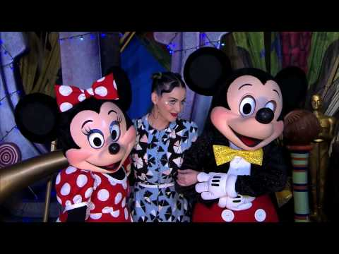 Katy Perry visits Mickey & Minnie on Fourth of July at Walt Disney World