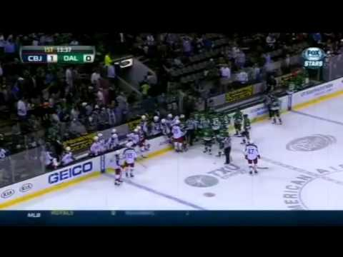Dallas Stars centre Rich Peverley collapses on bench during game