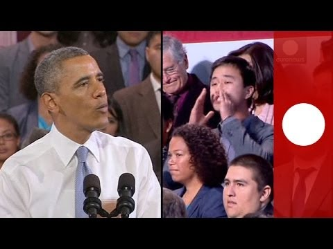 Video: Obama confronts heckler at immigration speech