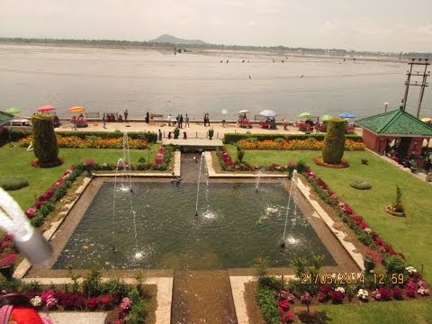 Nishat Bagh - Second Largest Mughal Garden in Srinagar, Kashmir, India Video