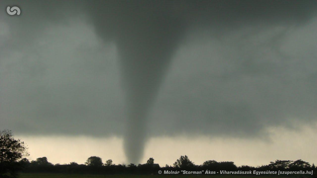 szupercella.hu storm chase - F1 tornado near Gátér ...