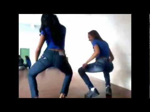 JOSÉ DA COSTA .. Anne e Nathy dançando funk
