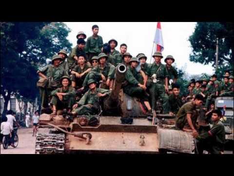 5 Anh em trên 1 chiếc xe tăng