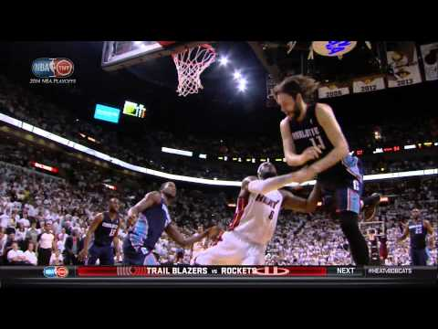 LeBron James takes forearm to throat from Josh McRoberts: Bobcats at Heat