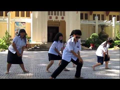 HS lớp 9 ngẫu hứng nhảy Gangnam Style cực đỉnh -Gangnam Style 9/5 VTT feel the beat