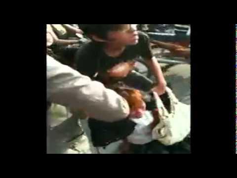 video clip:cô gái tát cảnh sát giao thông giữa đường