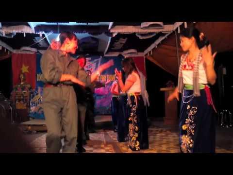 Múa Cô gái Sầm Nưa- Phụ nữ thôn Sơn Thịnh-Lãng Sơn-Yên Dũng-Bắc Giang