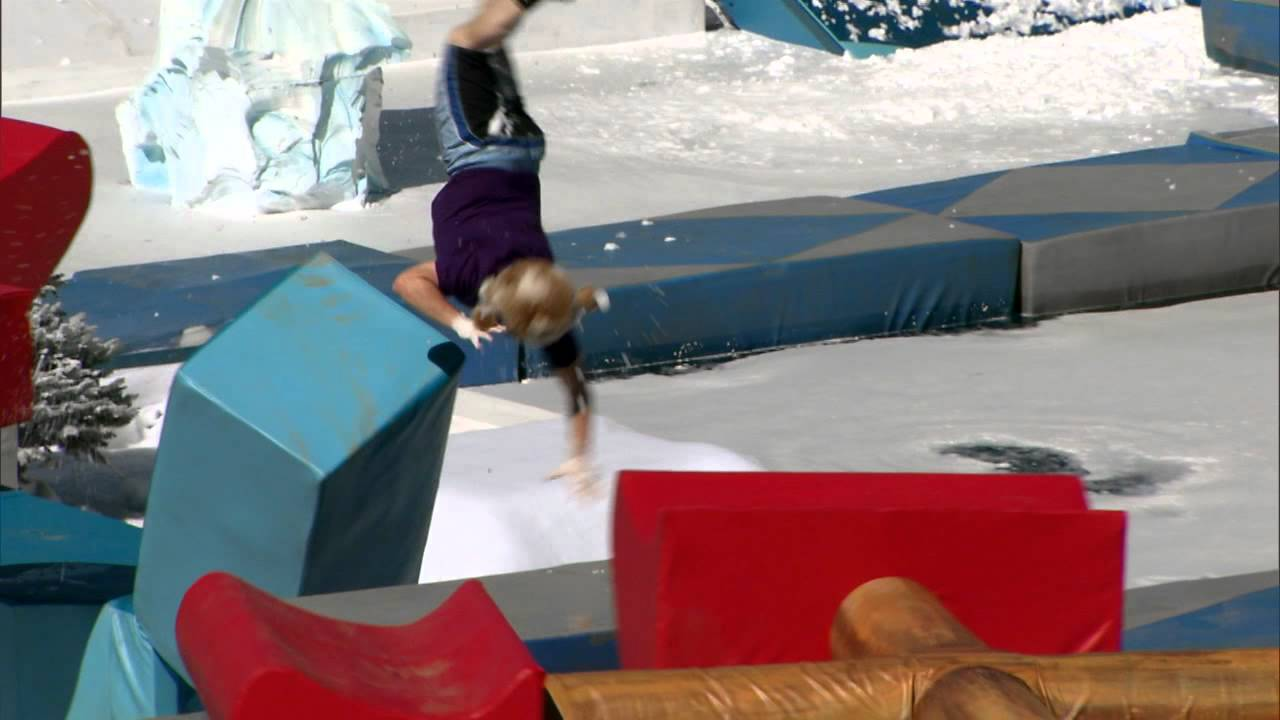 Winter Wipeout - Series 1 Episode 12 (Celebrity Special ...