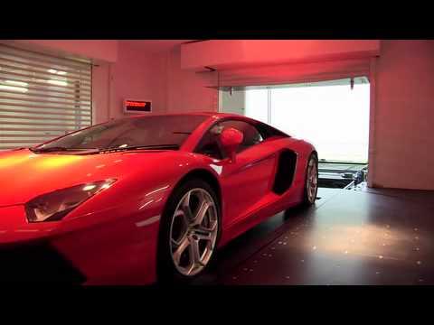 Mốt đưa siêu xe vào phòng khách của dân giàu Singapore