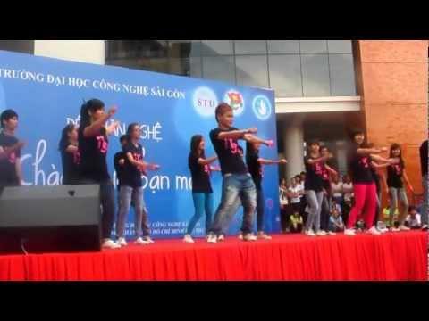 (IT-9X) Nhảy dân vũ World Cup Wavin' Flag - Nam Phi.