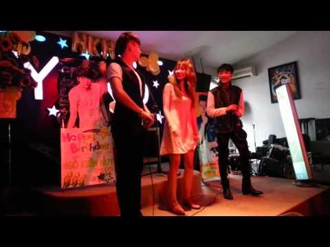 Hari Won Ngô Kiến Huy  nhảy múa mừng sinh nhật Sơn Tùng MTP