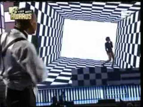 Chris Brown & Rihanna   Medley Wall To Wall & Umbrella Live @ Mtv Vma 2007