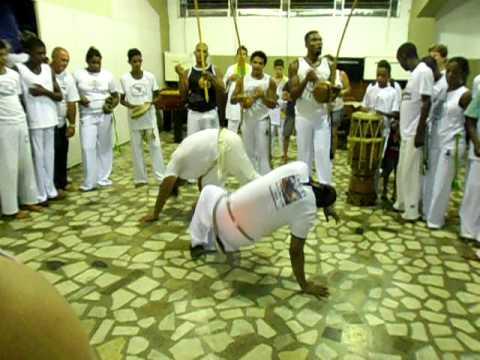 Capoeira Besouro - Jardim América ( VISITA DE MESTRE KINHA )