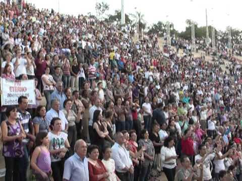 Missa com Pe. Robson encerra a 8ª Festa do Divino em Barretos