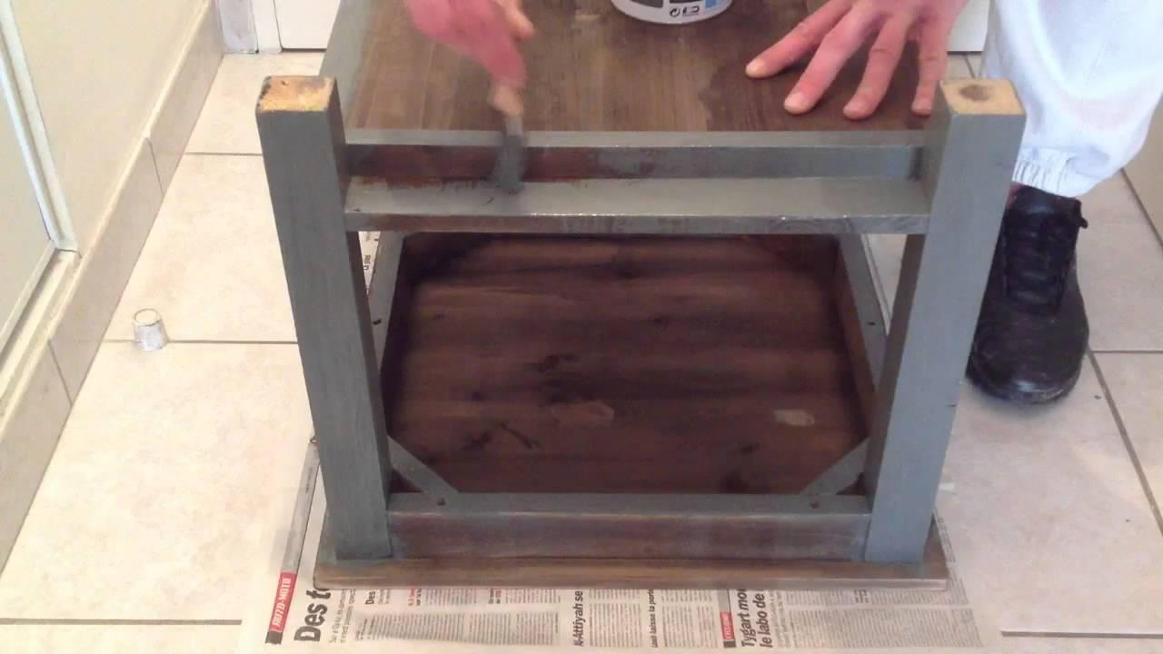 peindre un meuble en bois peinture bois youtube. Black Bedroom Furniture Sets. Home Design Ideas