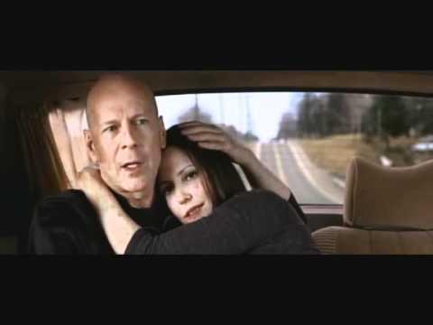 Bruce Willis, John Malkovic - Moldova sucks scene...