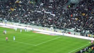 18/12/2011 - Campionato - Juventus-Novara 2-0, il gol di Quagliarella ripreso dagli spalti