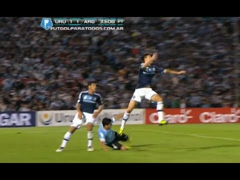 Luis Suarez Worst Simulation And Dive - Argentina vs Uruguay | (15/10/2013)
