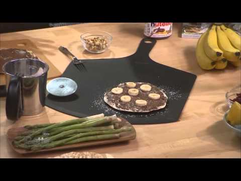 Haylie Duff Makes Nutella Pizza