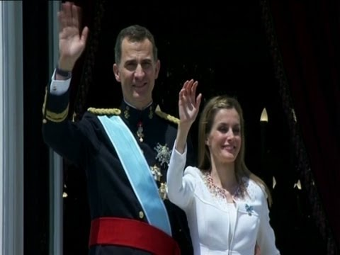Raw: Spain's New King Felipe Sworn In