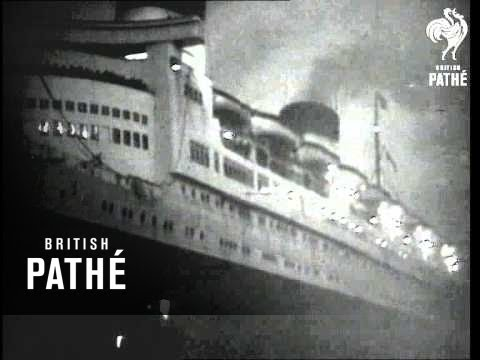 "Royal Mail Ship ""Queen Elizabeth"" AKA 'queen Elizabeth' Docking At Night (1948)"