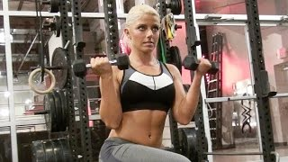 Alexa Bliss portada de Muscle and Fitness Hers