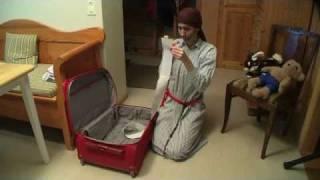 18. Packar BB-väskan; Youngsters julkalender Guds plan med Marias barn.