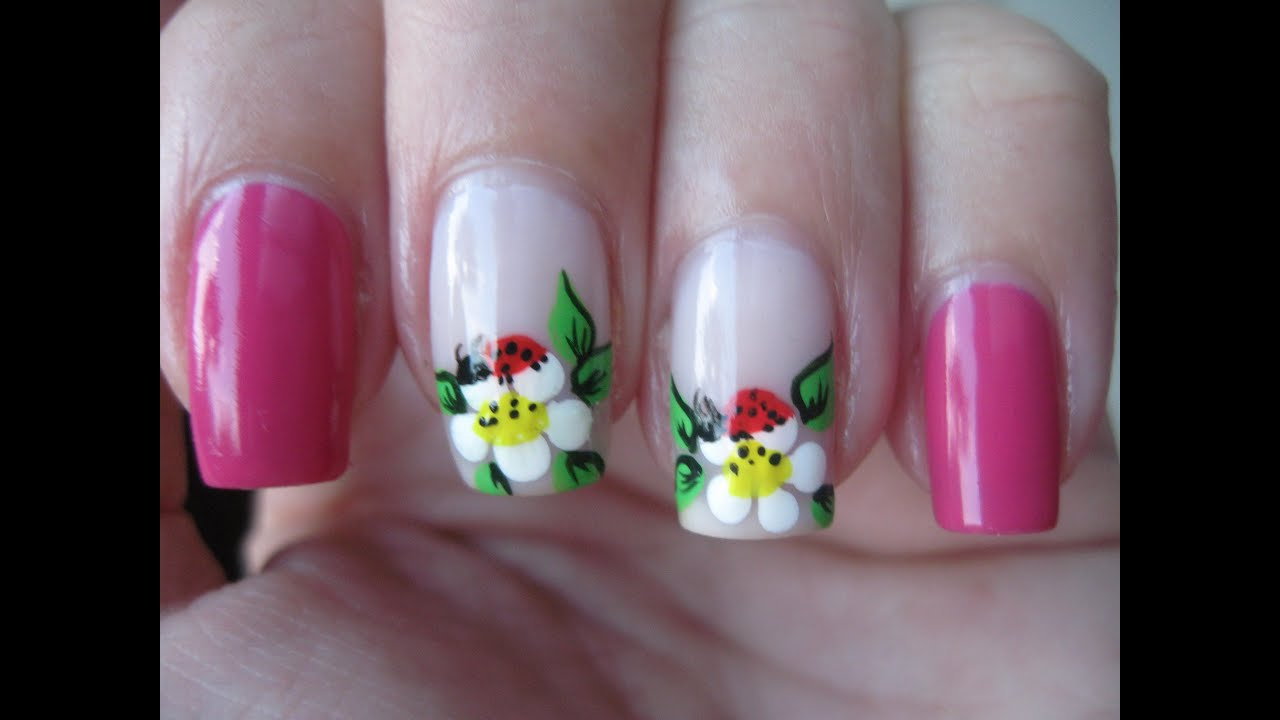 Nail art: Ladybug on flower - YouTube