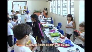 Em combate ao consumismo, escola de BH promove feira de trocas entre alunos