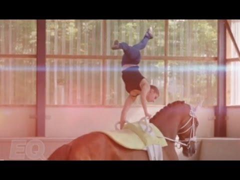 بطلة العالم بالرقص على الخيول