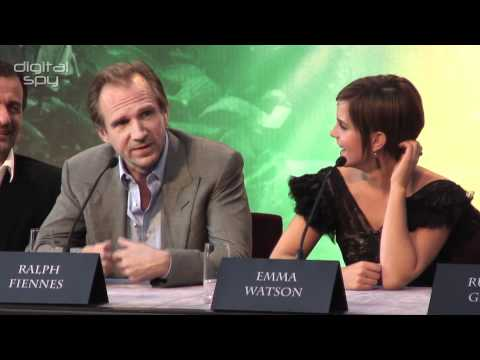 Ralph Fiennes reveals what Voldemort was wearing under his cloak