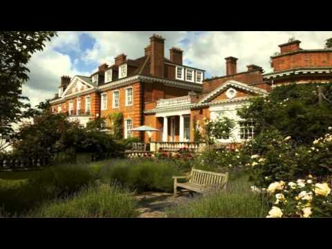 Cheslyn House and Gardens Cuffley Hertfordshire