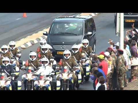 Mandela's funeral cortege passes through Pretoria