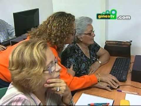 """Iniciado en Gines el curso corto de """"Acceso a Internet y Páginas web"""" para personas mayores"""