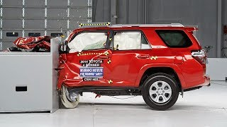 2014 Toyota 4Runner Small Overlap IIHS Crash Test