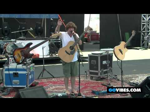 "Keller Williams Performs ""Best Feeling In The World"" at Gathering of the Vibes Music Festival 2012"