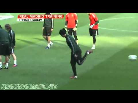 Manchester United vs Real Madrid C.Ronaldo training 04.02.2013