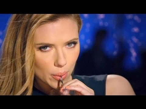 Oxfam boccia la sua ambasciatrice Scarlett Johansson, volto di azienda israeliana