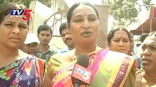 Hijras urge Konda Murali for ticket in GWMC poll